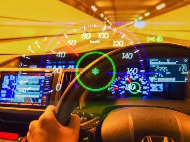 情報満載の運転席