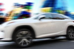 スピード感のある車